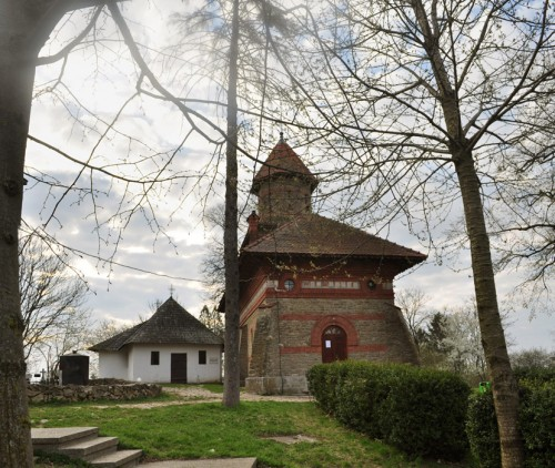eminescu ipotesti biserica negru (9)
